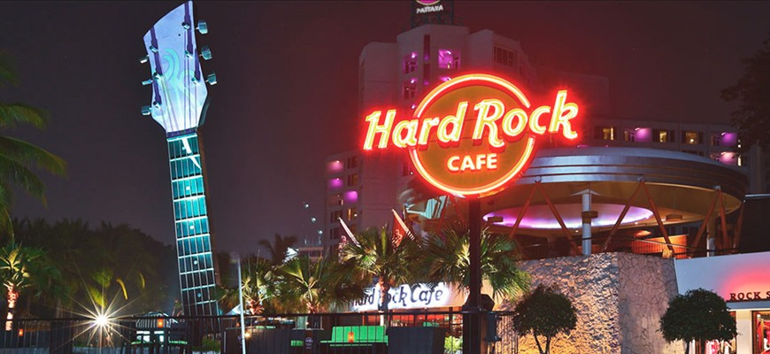 hard-rock-cafe-(870x400)